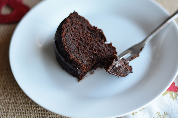Drunken Chocolate Fruit Cake - This is not your traditional chocolate fruit cake. It's gluten free, dairy free, refined sugar free and vegan. I'm pretty sure it's the healthiest Trinidad style black cake you will ever come across!