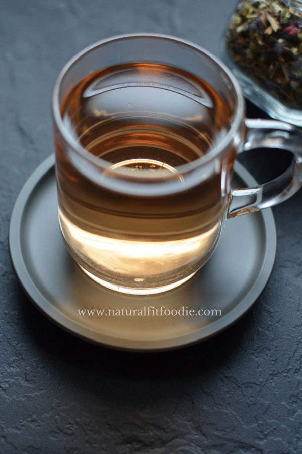To speed weight loss try sipping this anti-inflammatory weight loss tea. It speeds detox and helps flush excess fluids!