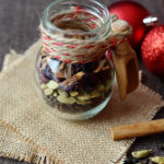 Homemade Mulling Spices - Mix up your own mulling spices and perk up all your holiday beverages. Makes the most beautiful holiday foodie gift too!
