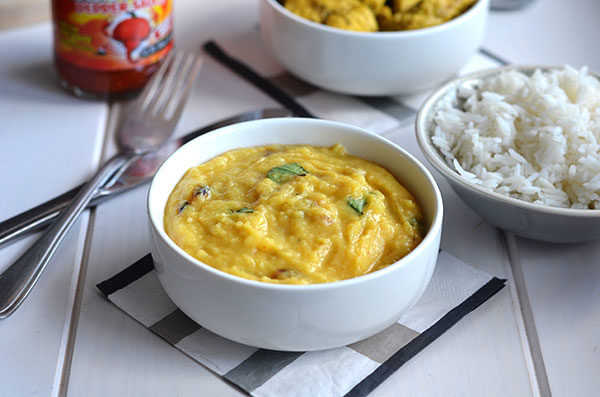Dhal recipe - This delicious dhal comes together really quickly and can be served on its own with rice and flatbread or as the side dish as part of a larger meal.