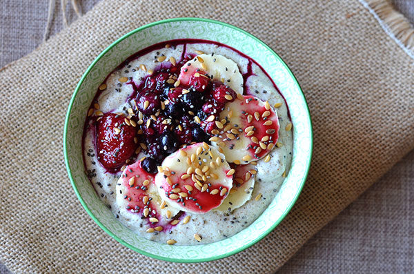Grain Free Porridge Recipe - This is a completely grain free porridge! Made from only nuts and seeds this porridge is quick and easy. Whip it up in your blender in a jiffy!