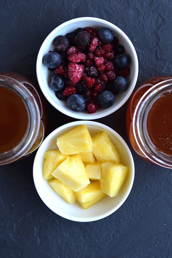 Do you know how to flavor Kombucha? It's super easy to turn your homemade Kombucha into a refreshing carbonated drink and the flavor options are endless!