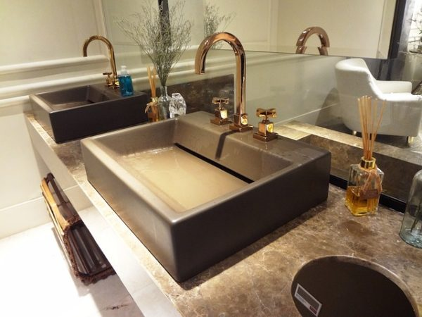 DIY Spa Bath - Simple DIY projects and advice for turning your bath into the ideal Relaxation Oasis!